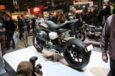 """Salon de Milan 2009 en direct : Moto Guzzi, série V12, """"LA"""" surprise de Milan"""