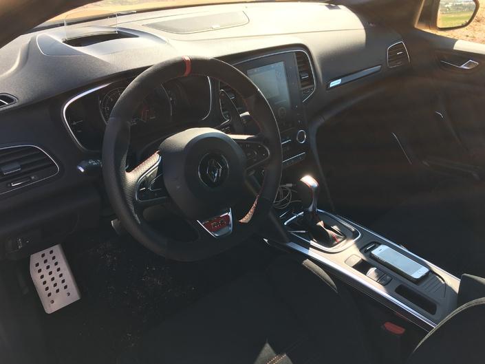 Renault Mégane 4 RS : les premières images de l'essai en live