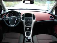 Essai vidéo - Opel Astra : la Mégane et la Golf en ligne de mire
