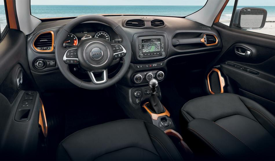 Jeep une s rie sp ciale opening pour le renegade for Interieur jeep renegade