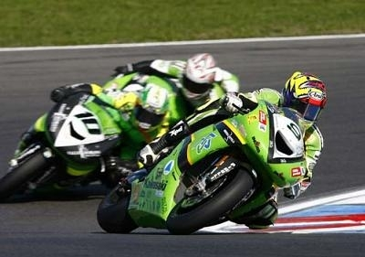Superbike: Kawa: Laconi et Nieto in, Walker out