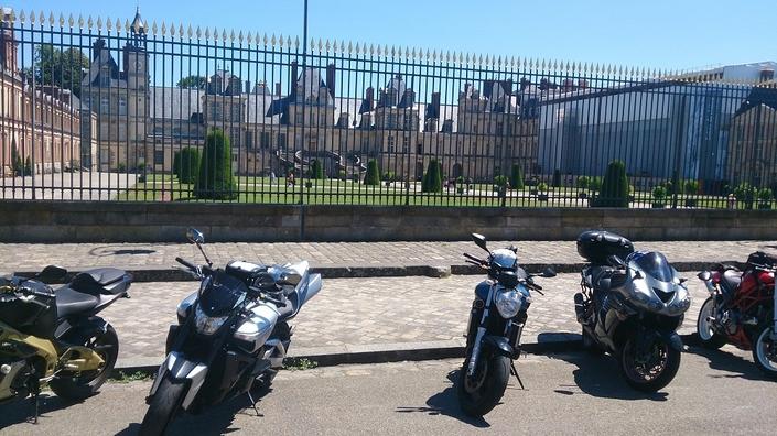 Pratique: Frédéric Valletoux, maire de Fontainebleau aime les motards… ou pas