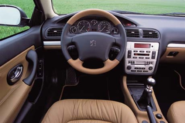 Futur collector peugeot 406 coup f line et latine for Interieur 406