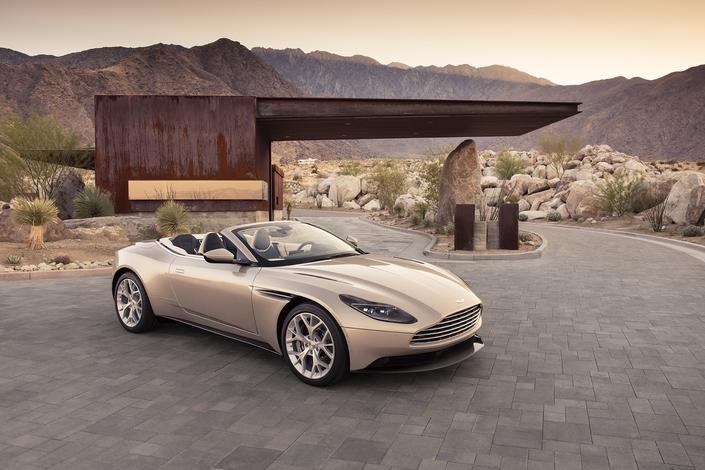 Nouveautés 2018 - Cabriolets - Le Z4 se transforme, l'i8 Roadster arrive, la DB11 Volante se met en valeur