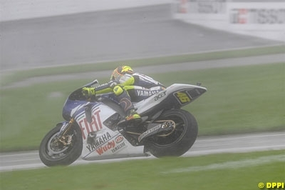 Moto GP - Malaisie: Rossi craint une annulation pour cause de pluie et espère un essai sur la moto 2009
