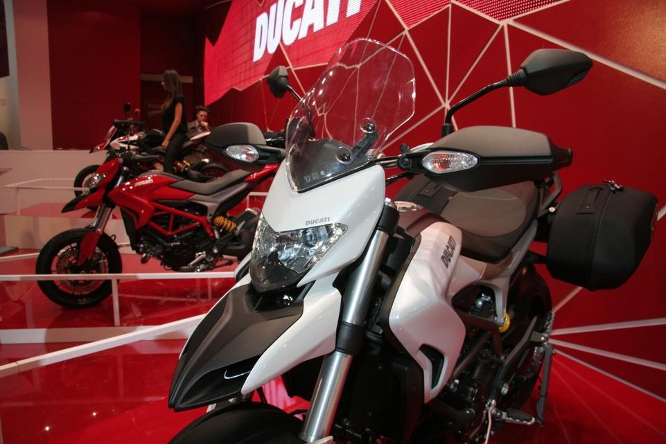 Actualité moto - En direct du Salon de Milan: Ducati dégaine l'Hyperstrada