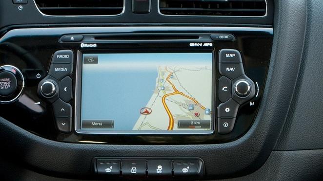 Kia rend les mises à jour du GPS gratuites pendant 7 ans. Ce sont les acheteurs d'occasions qui vont être contents.