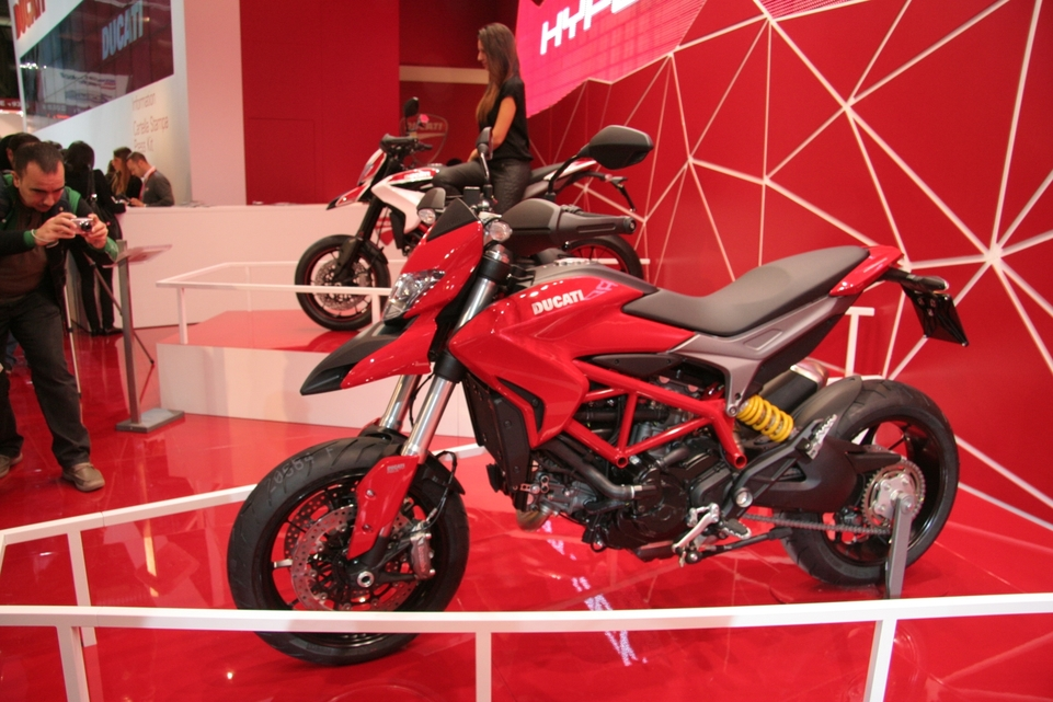 En direct du Salon de Milan: Ducati lance son Hypermotard 820