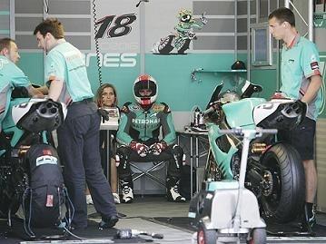 Superbike Magny Cours: Foggy Petronas, la FP1 a fait ses adieux