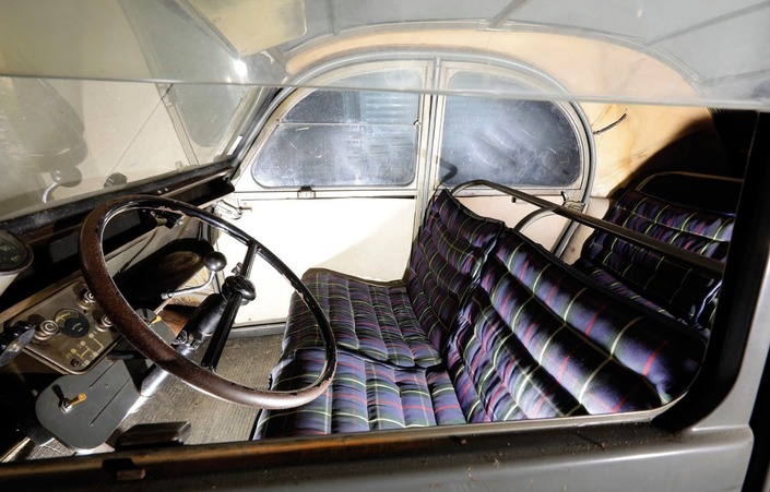 Une Citroën 2CV vendue aux enchères plus de 70000€