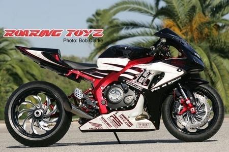 Honda CBR 1000RR by Roaring Toyz : 240cv dans le ventre…