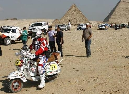 Le rallye des Pharaons sur un Vespa, ça vous dirait !