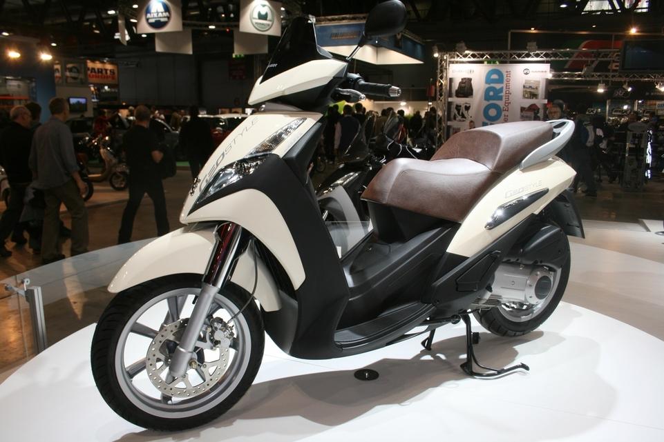 Salon de Milan 2009 en direct : Peugeot Géopolis 300 cm3