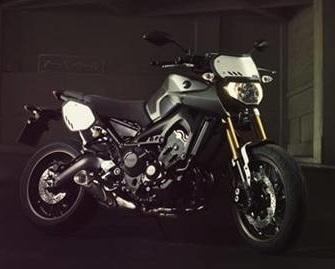 Nouveauté - Yamaha: la MT-09 se décline aussi en Street Tracker