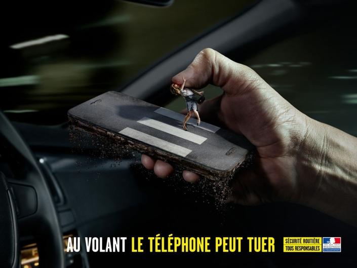 Sécurité routière: une procédure intrusive pour lutter contre le téléphone au volant