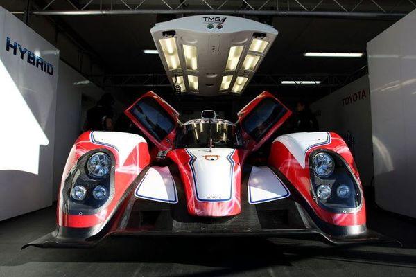 S7-Regardez-et-ecoutez-la-Toyota-TS030-LMP1-hybride-des-prochaines-24h-du-Mans-252238
