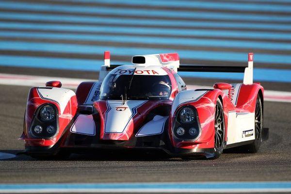 S7-Regardez-et-ecoutez-la-Toyota-TS030-LMP1-hybride-des-prochaines-24h-du-Mans-252239