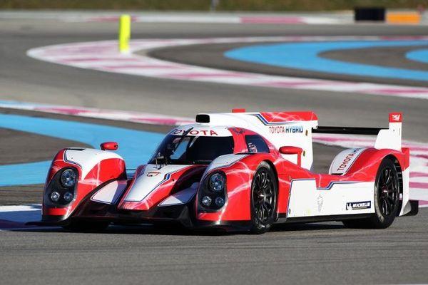 S7-Regardez-et-ecoutez-la-Toyota-TS030-LMP1-hybride-des-prochaines-24h-du-Mans-252244