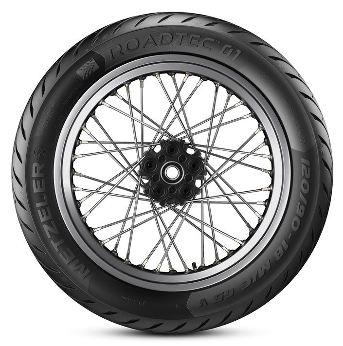 Metzeler étoffe sa gamme Roadtec™ 01 avec des dimensions conventionnelles