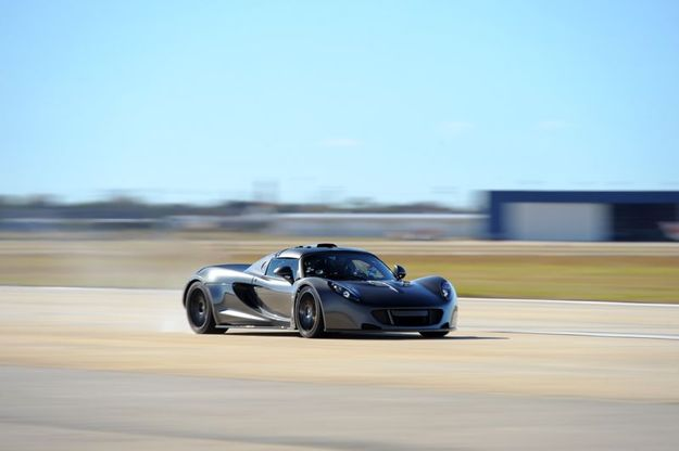 [vidéo] La Hennessey Venom efface la Bugatti Veyron des tablettes