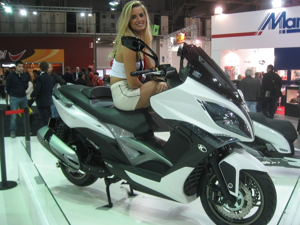 En direct de Milan : Kymco Xciting 400 cm3