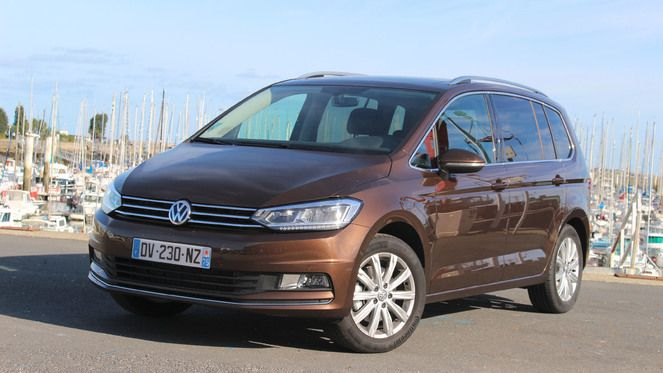 essai volkswagen touran tsi 150 l 39 essence de la famille. Black Bedroom Furniture Sets. Home Design Ideas