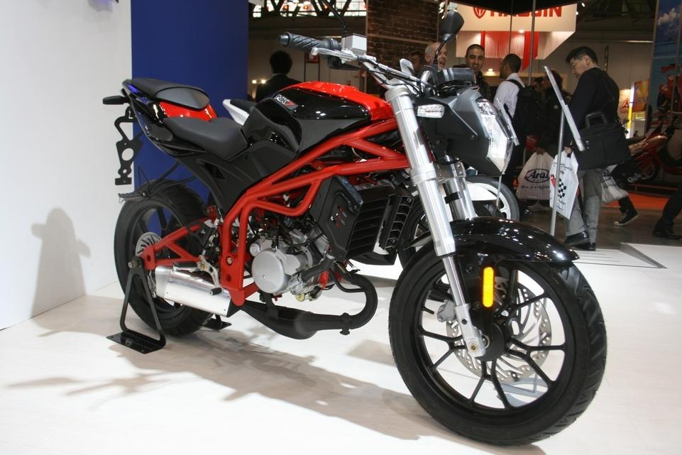Salon de Milan 2009 en direct : Peugeot NK7 50 cm3