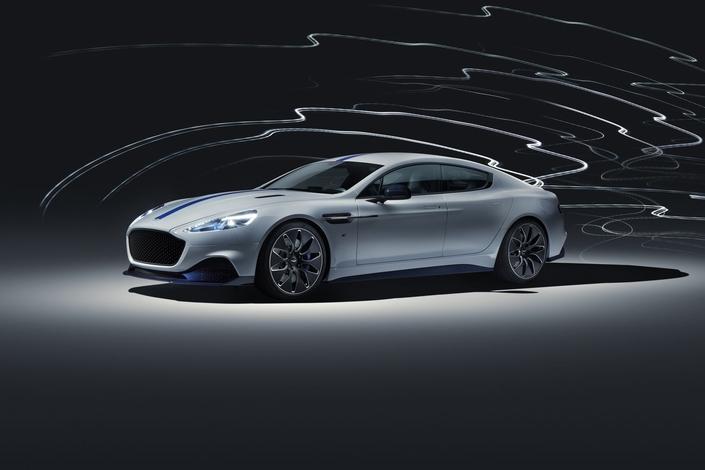 Aston Martin dévoile son premier modèle électrique, la Rapide E
