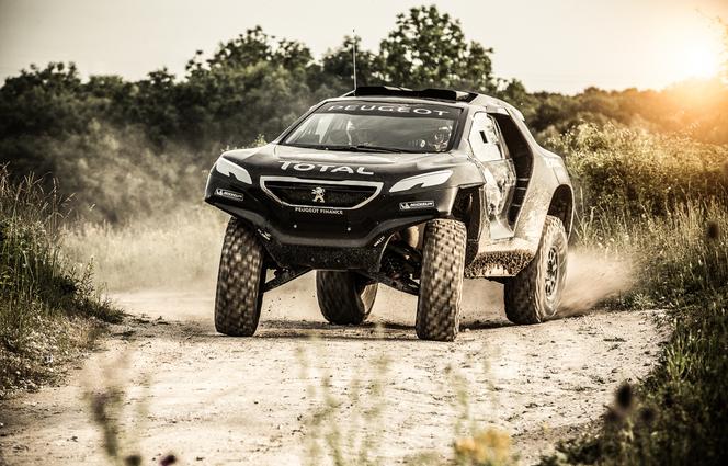 L'impressionnante Peugeot 2008 DKR adopte un V6 Diesel biturbo!