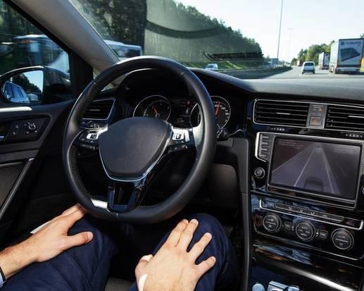 Une voiture autonome fait le tour de France