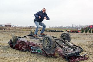 Le garage des monstres : j'ai écrasé la voiture d'un collègue avec un big foot