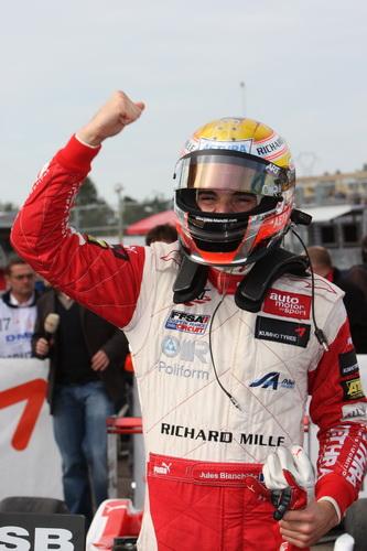 S0-Jules-Bianchi-titre-en-F3-Euro-Series-Deja-grand-d-Europe-145330