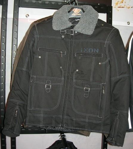 Salon de Milan 2009 : Ixon côté textile.