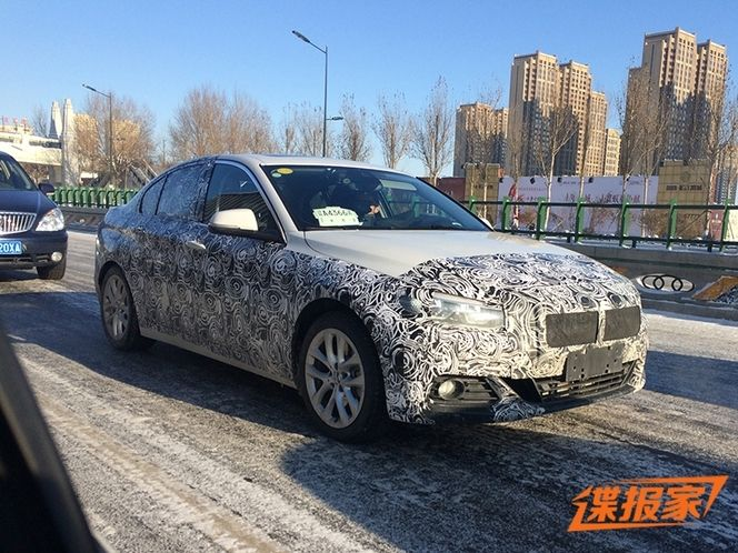Scoop : la BMW Série 1 berline se montre en Chine