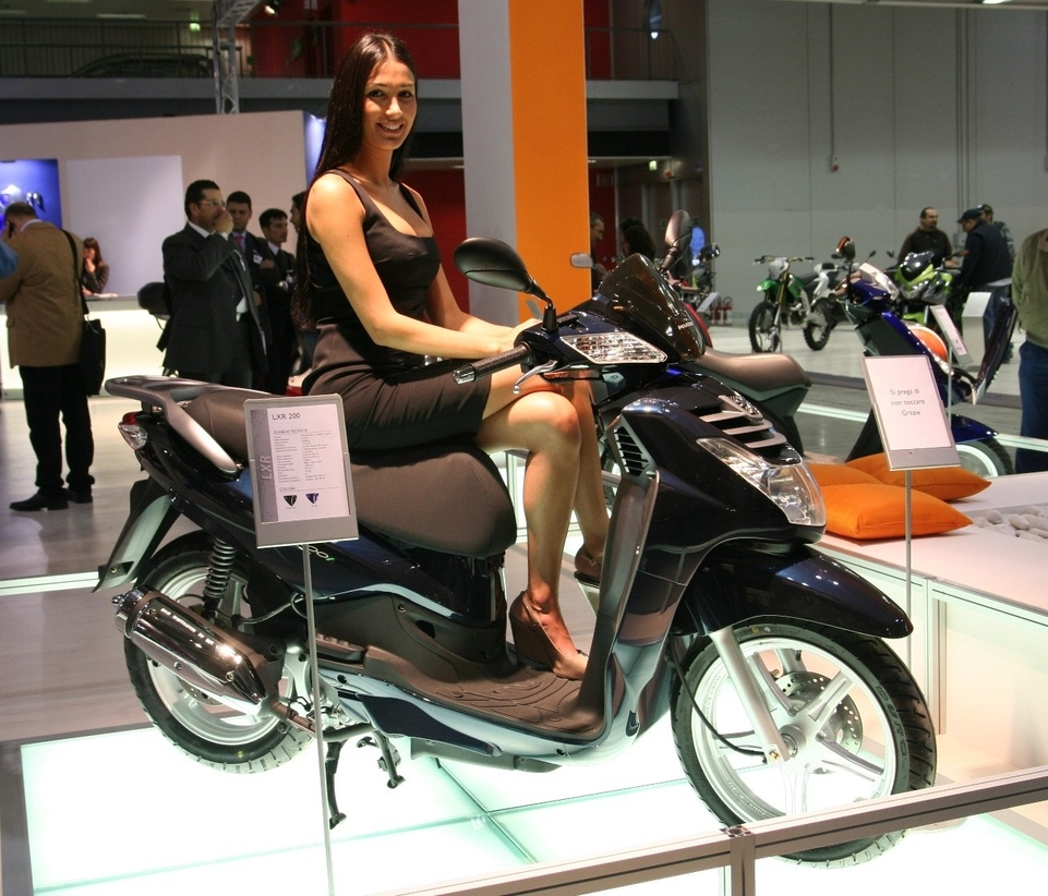 Salon de Milan 2008 en direct : Peugeot Hybrid3 et la gamme 2009