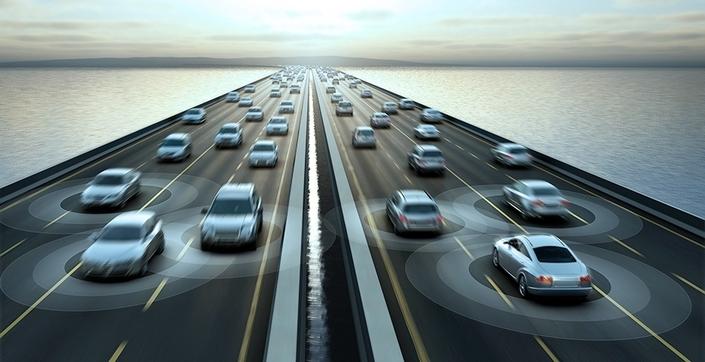 Un pare-feu anti-piratage installé dans une voiture d'aujourd'hui sera-t-il efficace pendant toute la vie du véhicule? C'est l'un des enjeux cruciaux accompagnant l'essor des voitures connectées.