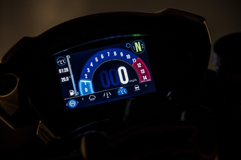 Essai Triumph Speed Triple 1050 RS 2018 : la Ménade