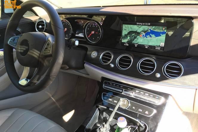 Surprise : la Mercedes Classe E de base montre son tableau de bord