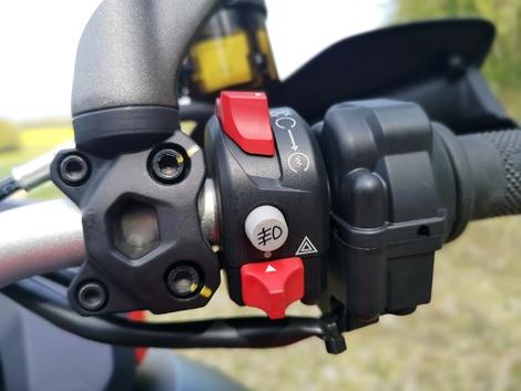 Essai Ducati Multistrada 950 - Commodo droit