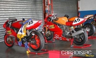 Les Ducatistes s'en donnent à cœur joie ce week-end sur le circuit du Vigeant (86).