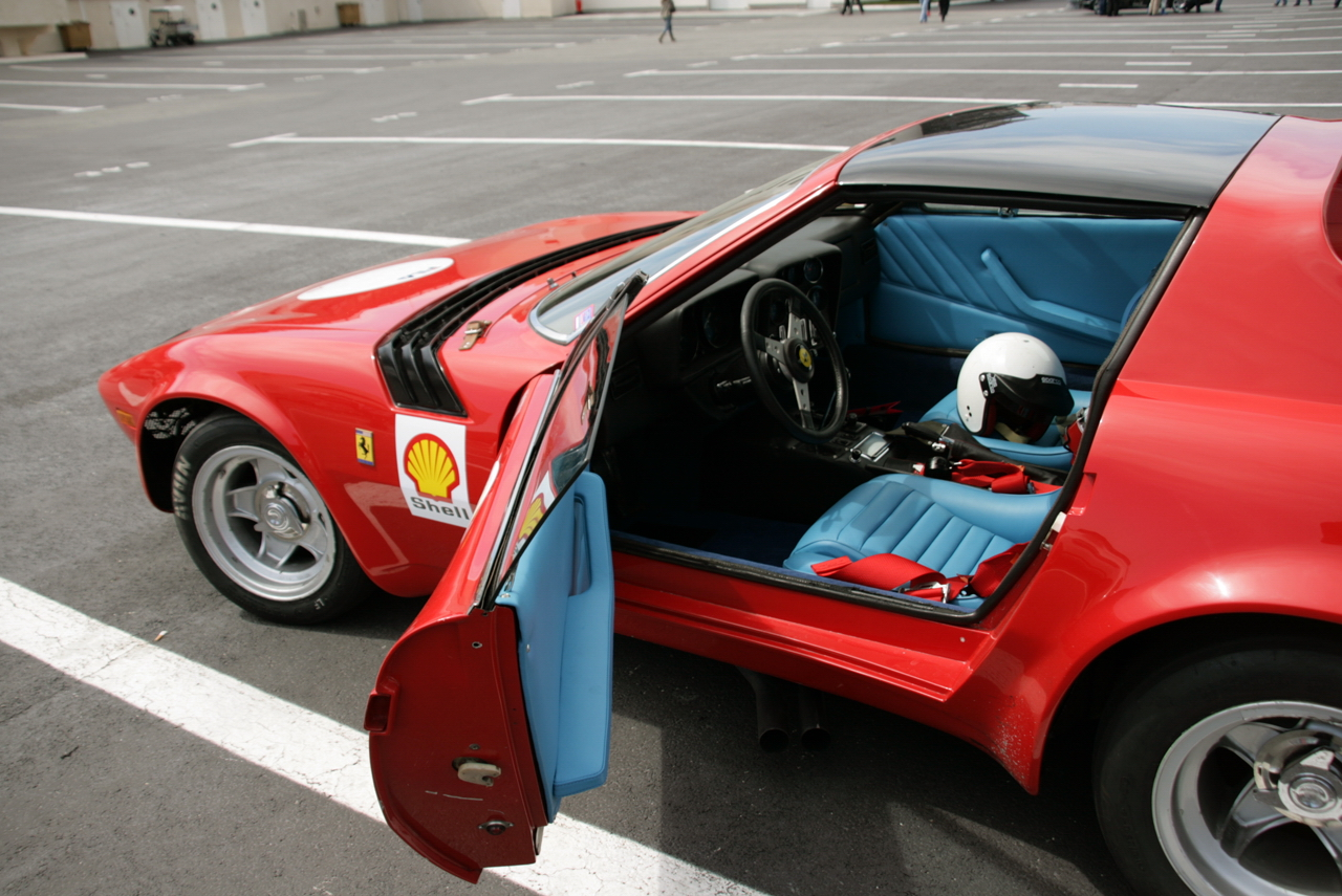 http://images.caradisiac.com/images/5/9/9/3/25993/S0-Photos-du-jour-Ferrari-365-GTB-4-Michelotti-Nart-spider-109644.jpg