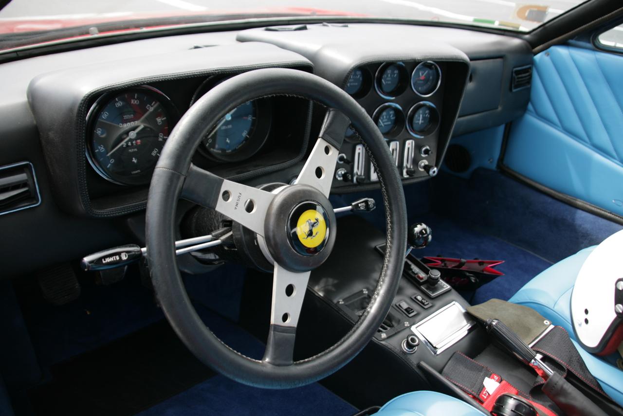 http://images.caradisiac.com/images/5/9/9/3/25993/S0-Photos-du-jour-Ferrari-365-GTB-4-Michelotti-Nart-spider-109661.jpg