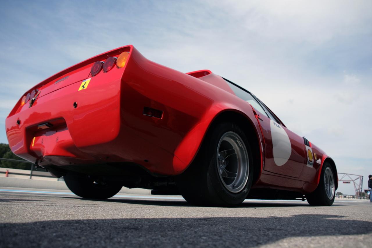 http://images.caradisiac.com/images/5/9/9/3/25993/S0-Photos-du-jour-Ferrari-365-GTB-4-Michelotti-Nart-spider-109676.jpg