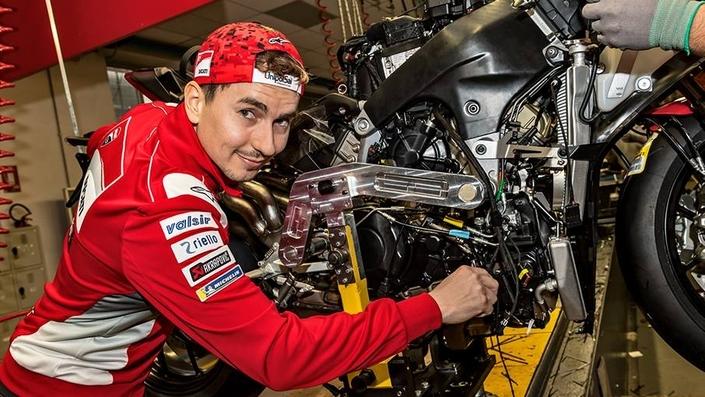 Nouveauté - Ducati: Jorge Lorenzo défend la cause de la Panigale V4!