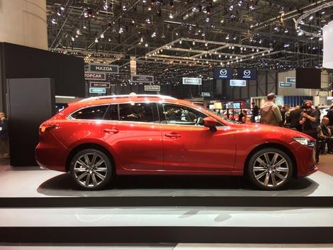 Le style. En ce moment chez Mazda, les modèles ont tous un style qui me botte au plus haut point. Le break 6 ne fait pas exception. C'est pour moi un des plus beaux breaks de la production automobile actuelle. Le Kodo design (âme du mouvement) est fait pour moi.