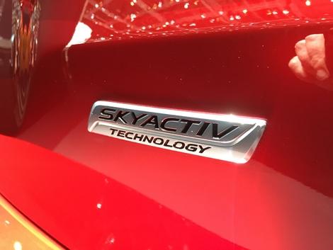 Les motorisations n'ont pas été dévoilées. Elles devraient être reprises de l'ancien modèle. Avec peut-être l'apparition du moteur Skyactiv-X, un moteur essence à combustion par compression, comme un diesel.