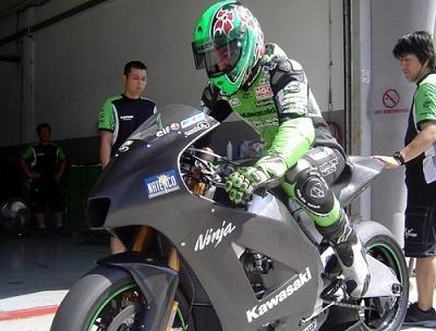 Moto GP: La Ninja 800 en piste à Sepang