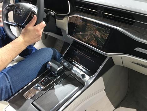 L'écran tactile pour commander le système MMI est un vrai progrès entière d'ergonomie.