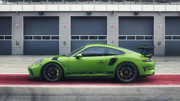 Porsche : la 911 GT3 RS restylée en fuite