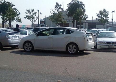 Future Toyota Prius sur la route